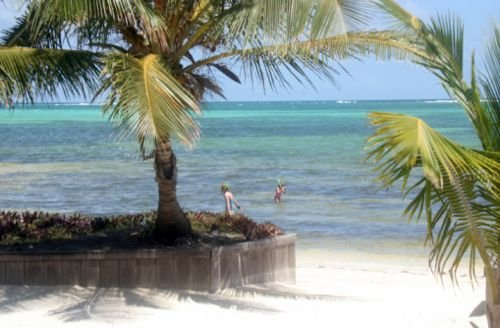 Belize, lounging on the Caribbean