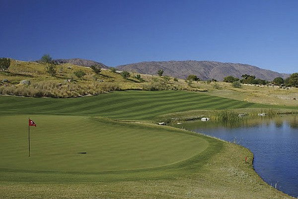 Beautiful golf course, no players
