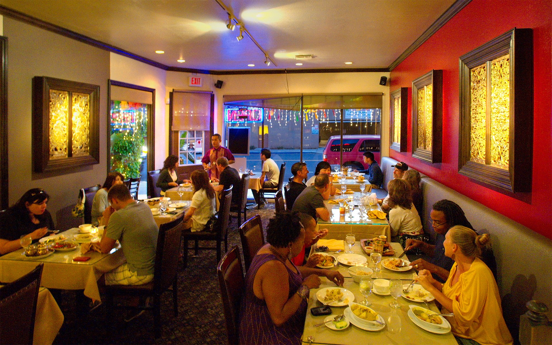 Dreams of a tropical lagoon san diego reader for Amarin thai cuisine san jose