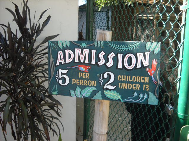 Free Flight bird exhibit admission sign in Del Mar.