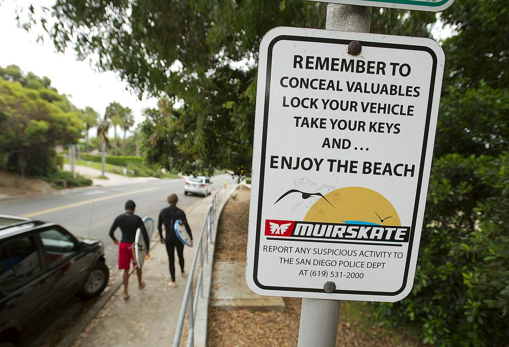 Authorities can do little more than warn beachgoers when it comes to car break-ins in La Jolla Shores.