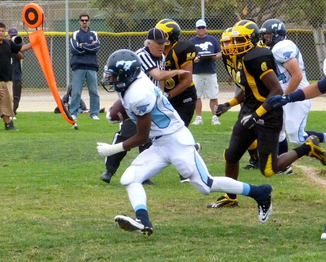 Otay Ranch running back Anthony Williams swerves forward