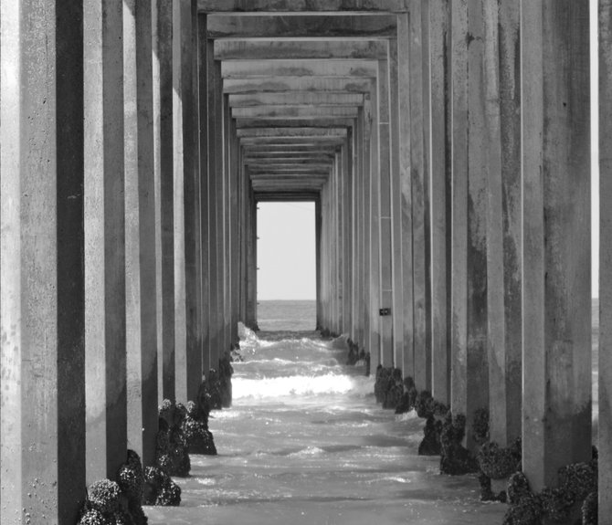 Inside view of Scripps Pier in black & white