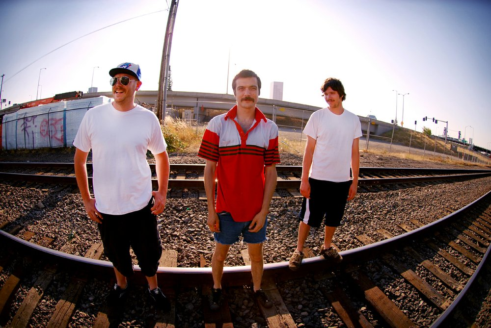 """QuEasy B's bring """"the best kind"""" of music to Bar Pink."""