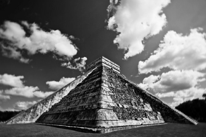 The famous temple of world famous ruins in Chichen Itza, Mexico.