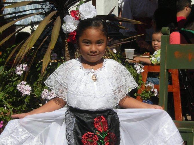 One of Claudia's dancing Niñas.