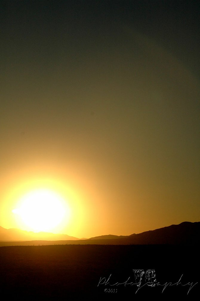A slow desert sunrise, in Carlsbad, NM., on June 20, 2011. (Photography by Vicente Guerrero)