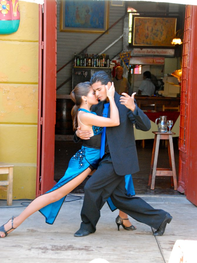 Sexy Tango Dancers in San Telmo in Buenos Aires, Argentina (World Travel Blog: www.UnhookNow.com)