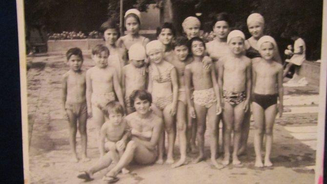 My Swim Team :0) Guess Where I Am...Bucuresti, Romania