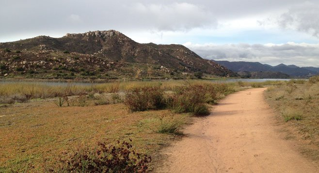 This 3.8-mile looping trail is just off I-15 on the south side of Lake Hodges.