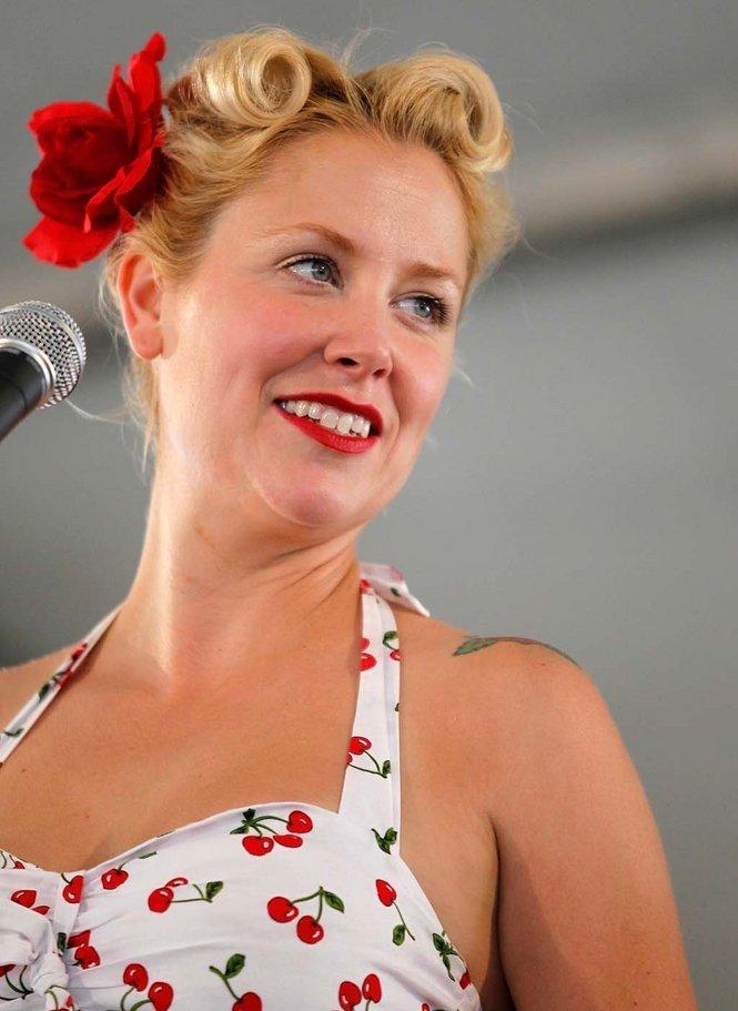 New Orleans jazz singer Linnzi Zaorski appears at Bar Pink and Syrah
