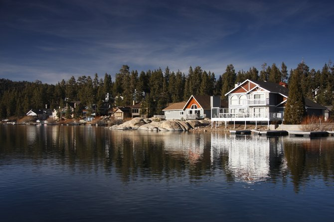 Homes overlooking Big Bear Lake in Big Bear, CA