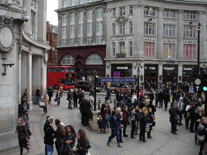 London's busy Oxford Circus, a shopping epicenter.