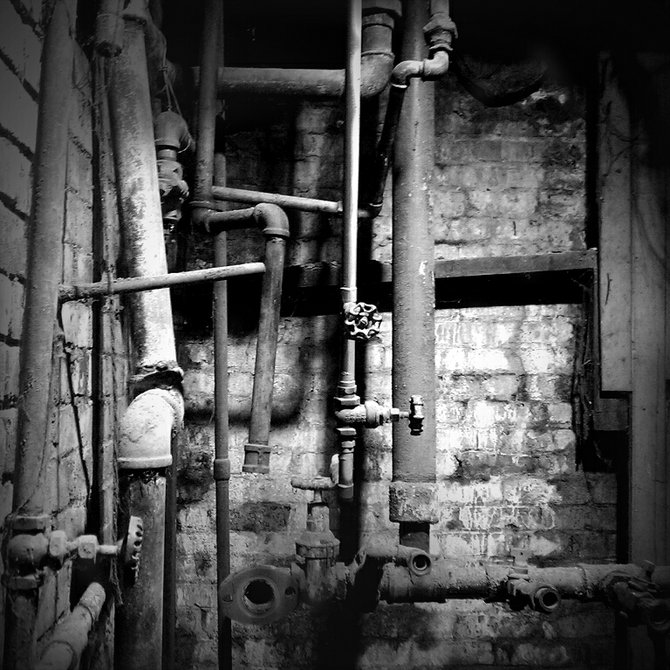 Pipes - Underground Seattle Tour