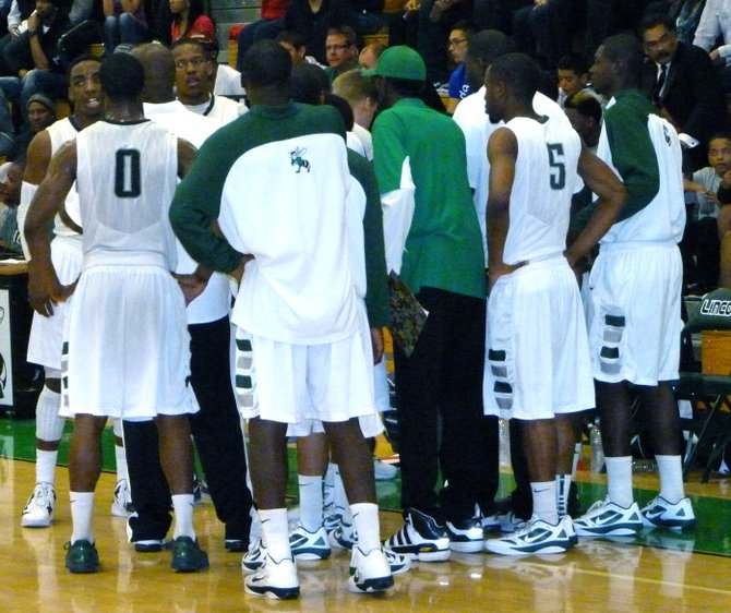 Lincoln huddles up during a timeout