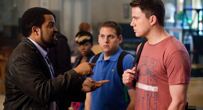 Jonah Hill and Channing Tatum play high school polarities in this recycling of the TV series 21 Jump Street.