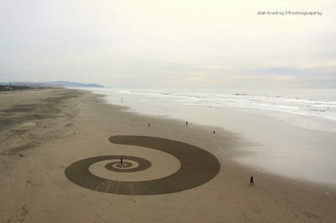 Crop Circles in OB          Ocean Beach, San Francisco, California, USA