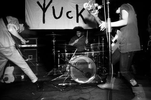 Casbah stages nostalgic Brit indie kids Yuck.