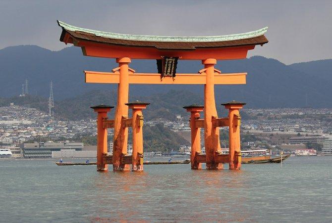 floating torii off the island of Miyajima