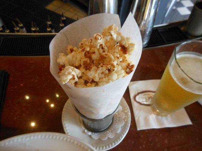 The popcorn, Bud
