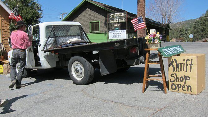 another Idyllwild thrift shop