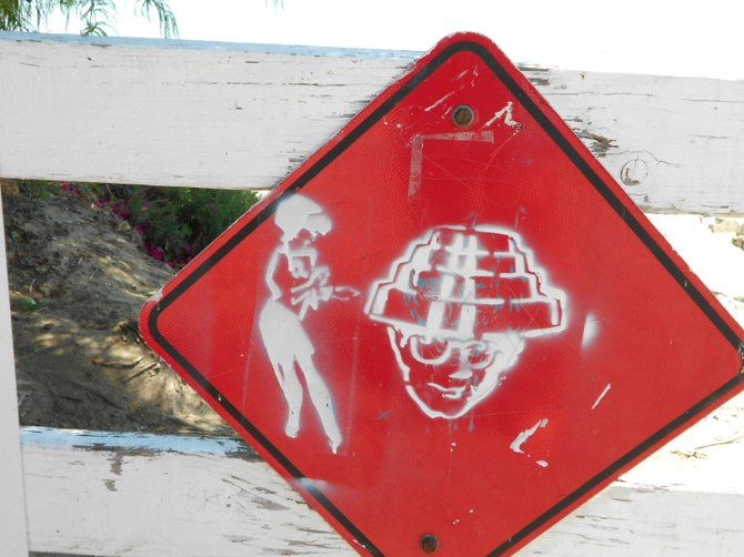 Unusual alien sign encounter near San Diego Bay.