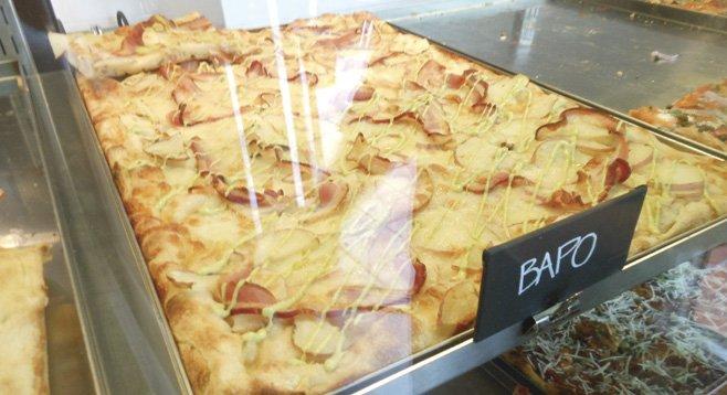 Bapo (bacon and potato) pizza