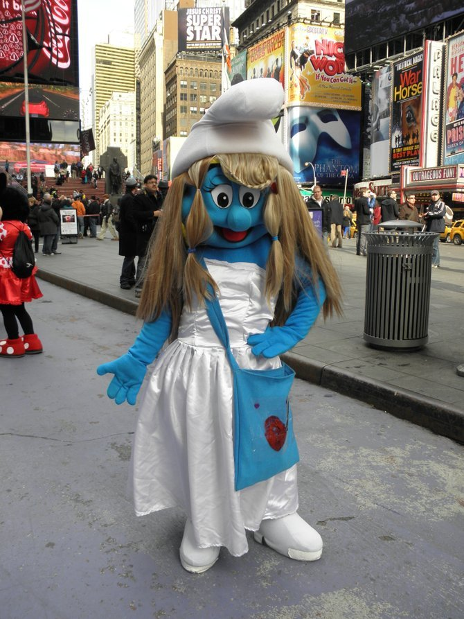Smurfette New York City, Times Square