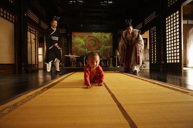 """Ge You (L) and Wang Xue Qi (R) in Chén Kǎigē's """"Sacrifice."""""""