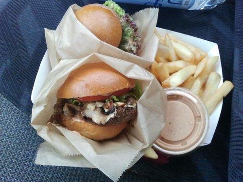 Bitchin Burgers