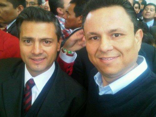 "Rafael ""Rafa ""Celaya Valenzuela's Facebook profile picture with president-elect Enrique Peña Nieto"