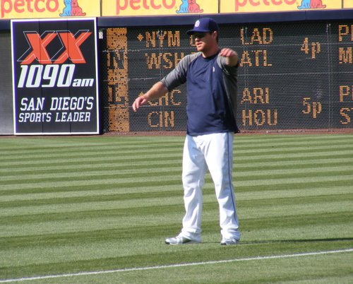 Logan Forsythe warms up before Friday's game.