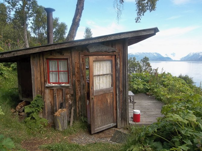 Cozy cabin with an amazing view in Homer, Alaska. Come on in...