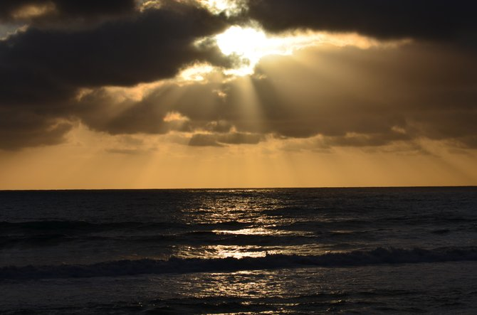 The sunsets at Del Mar are stunning!  Living in the Imperial Valley we often make a 'road trip' to your coastal waters during our hot and out of this world record heat to cool our aching feet and sweaty bodies, LOL LOL!  Enjoy... Vilma
