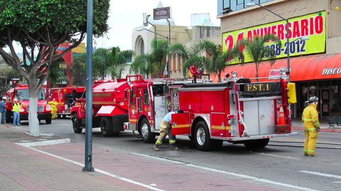 Tijuana bomberos on Avenida Revolución