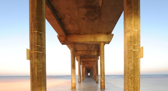"The Scripps Pier: ""This is the absolute best place in San Diego to take pictures."""