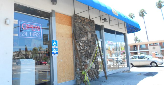Winchell's front window, broken since June. When's it getting fixed? Donut even ask (sorry!)