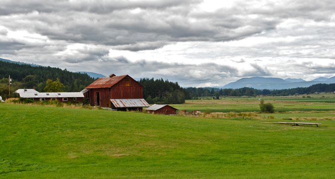 Vancouver Island, British Colombia has cities and open farm land like this.