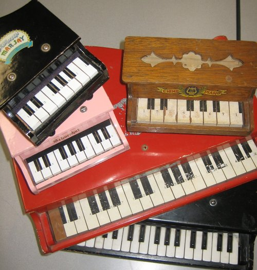 Schroeder power: behold the toy piano