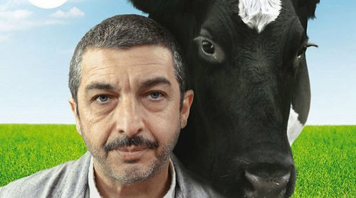 "Ricardo Darín and friend in ""Un Cuento Chino."""