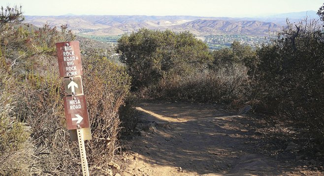 Cowles Mtn Mesa junction & view to north into Santee