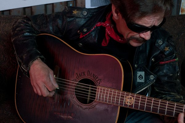 Country outlaw Billy Don Burns highjacks the stage at Shakedown Thursday night.