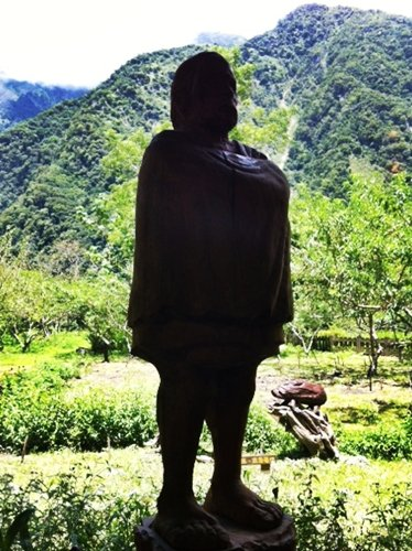 Statue of Taroko tribesman on the hotel grounds.