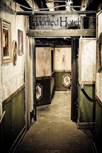 Haunted hotel san diego reader for Haunted hotel in san diego