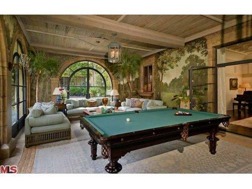 Pool table. Via Trulia