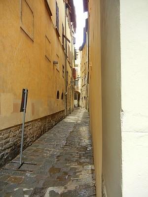 alleyway in Florence