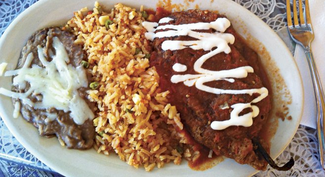 The sauce over the chile relleno featured fresh, not canned, tomatoes. Queso blanco oozed from the battered and flash-fried poblano.