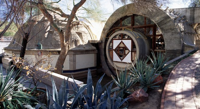 Cosanti's Pumpkin Apse and Barrel Vaults, constructed using concrete-lined mounds of earth. (photo courtesy of Cosanti Foundation)