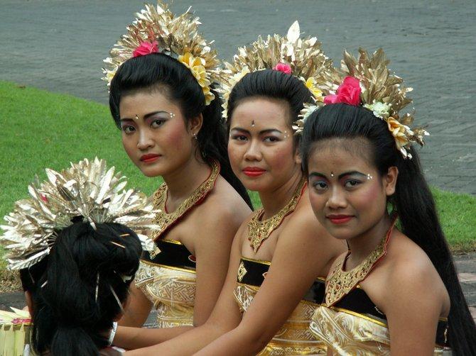 Balinese dancers await a wedding.