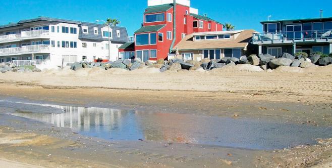 Beachfront homes on Seacoast Drive